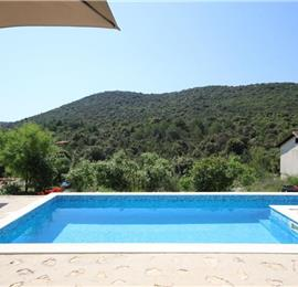 3 Bedroom Seaside Villa with Heated Pool nr Trogir, Sleeps 6-7