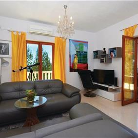 2 Bedroom Apartment near Ivan Dolac, Hvar Island,Sleeps 4