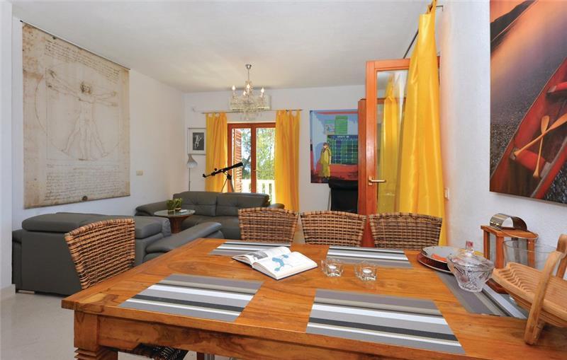 2 Bedroom Apartment near Ivan Dolac, Hvar Island,Sleeps 4