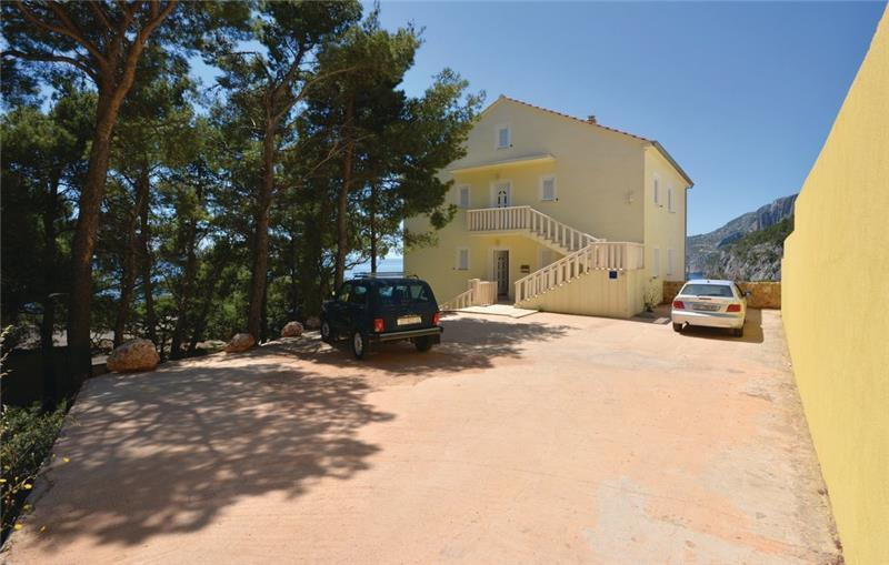 1 Bedroom Apartment near Ivan Dolac, Hvar Island,Sleeps 2-3