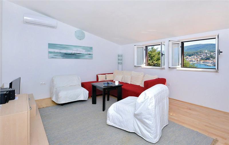 2-Bedroom Apartment near Jelsa, Hvar Island, Sleeps 4-6