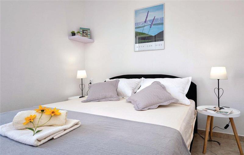 3 Bedroom Villa near Jelsa, Hvar Island, Sleeps 6-7