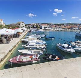 3 Bedroom Apartment on the Sea in Primosten, Sleeps 6.