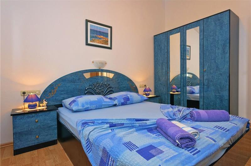 2 Bedroom Apartment in Ivan Dolac on Hvar, Sleeps 4
