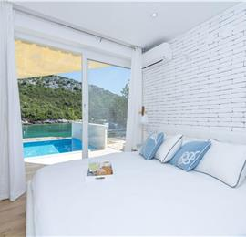 2 Bedroom Seafront Villa with Pool and Secluded Beach, Sleeps 4-5