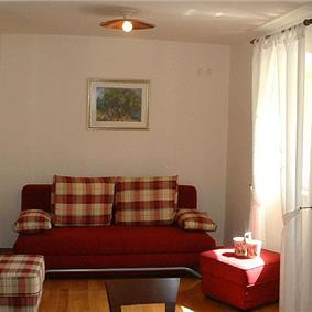 2 Bedroom Apartment in Splitska on Brac, sleeps 3-5