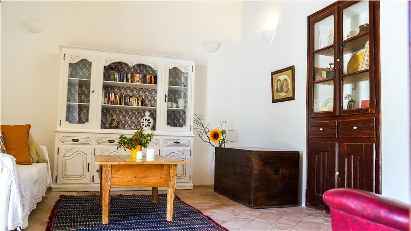 4 Bedroom Villa With Pool and Garden near Santa Barbara in the Algarve, Sleeps 8