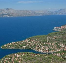 2 bedroom Apartment in Splitska on Brac, Sleeps 4-6