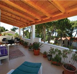 2-Bedroom Apartment near Jelsa, Hvar island, Sleeps 4