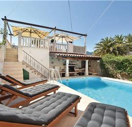 3-Bedroom Villa with Pool in Jelsa, Hvar Island, Sleeps 7