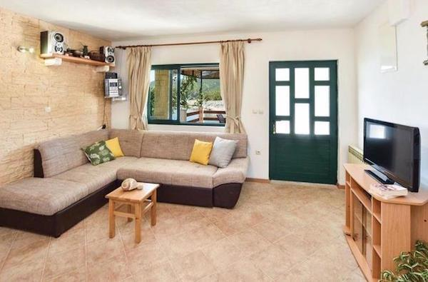 2-Bedroom Waterfront Villa near Zastazisce, Hvar Island, Sleeps 6