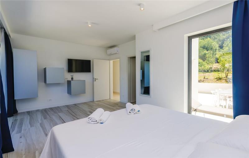 4 Bedroom Villa with Pool and Sea Views in Zaton Mali, near Dubrovnik, Sleeps 8