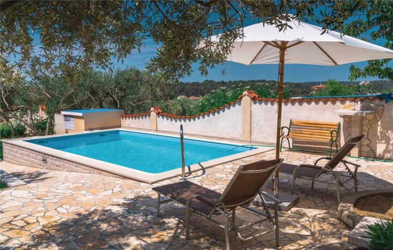 2 Bedroom Villa with Pool in Banjol on Rab Island, Sleeps 4-6