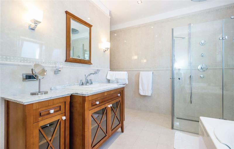5 Bedroom Villa with Pool and Spa in Barbat on Rab Island, Sleeps 10