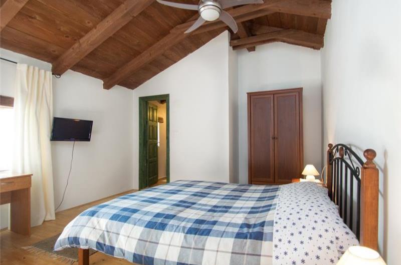 2 Bedroom Villa with Garden in Jadreski near Pula, Sleeps 5-6