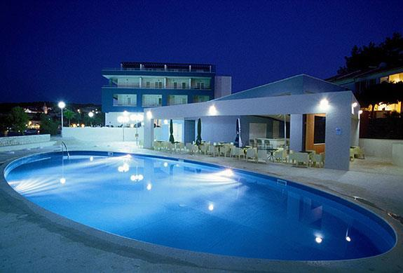 4 bedroom Villa in Splitska on Brac, Sleeps 7-11