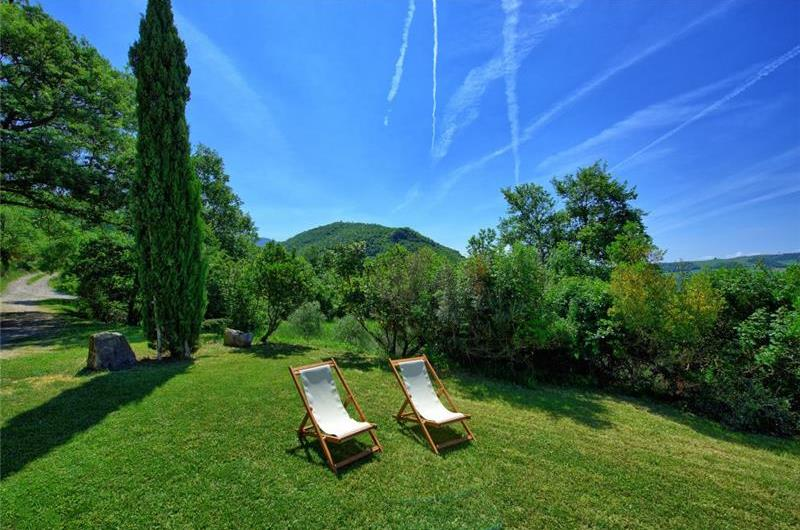 8 Bedroom Tuscan Villa with Annex and Pool near Sarteano, Sleeps 16
