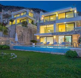 4 Bedroom Villa with Infinity Pool in Kalkan, Sleeps 8
