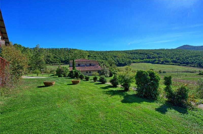 7 Bedroom Villa with Pool near Sarteano in Tuscany, Sleeps 14