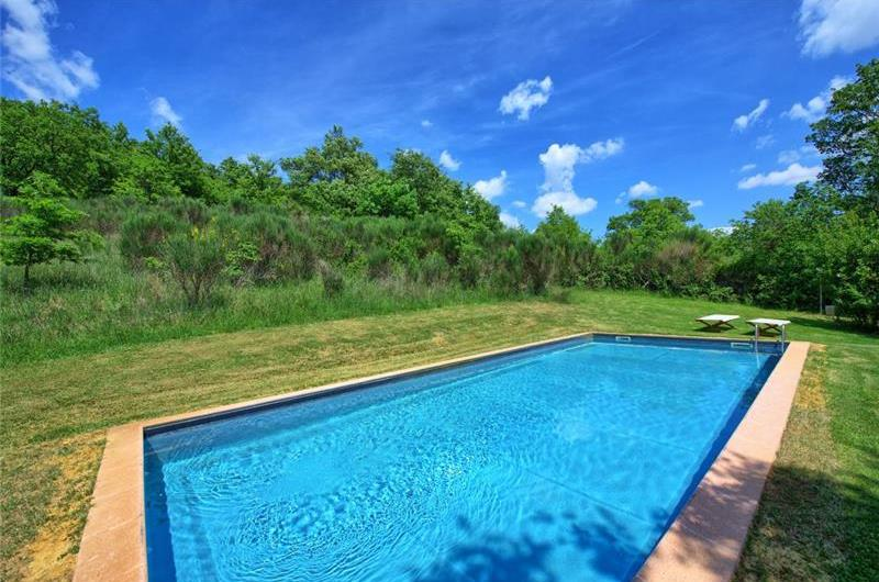 4 Bedroom Villa with Pool near Sarteano, Sleeps 8-9