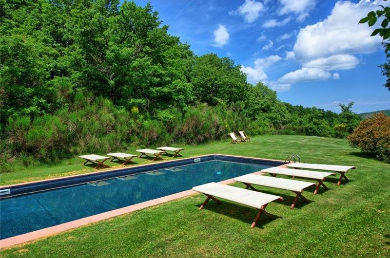 7 Bedroom Villa with Pool near Sarteano in Tuscany, Sleeps 14-16