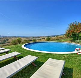 6 Bedroom Villa with Pool and Garden near Sarteano in the Tuscan Countryside, Sleeps 12