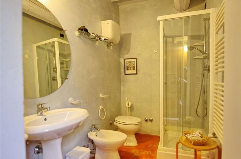 7 Bedroom Tuscan Villa with Pool near Sarteano, Sleeps 14-16