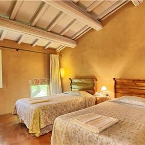 7 Bedroom Tuscan Villa with Pool near Sarteano, Sleeps 14-16