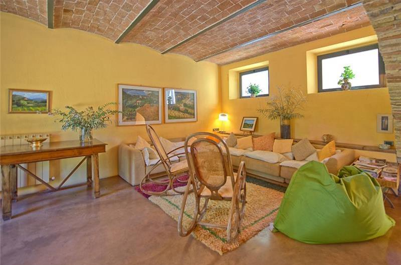 7 Bedroom Tuscan Villa with Pool near Sarteano, Sleeps 14