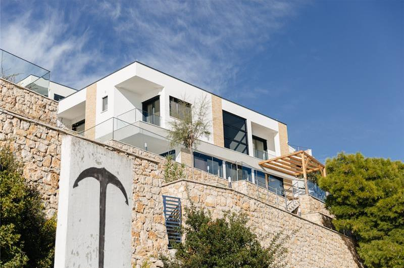 2 x 3 Bedroom Villa with Pool and Sea View near Trogir, Sleeps 6-8