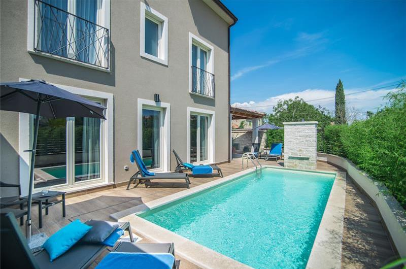 4 Bedroom Villa with Pool near Rovinj, Istria