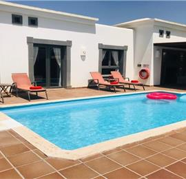2 Bedroom Villa with Pool in Playa Blanca, Sleeps 4