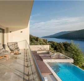 5 Bedroom Villa with Infinity Pool, Gym and Spa near Labin, Sleeps 10