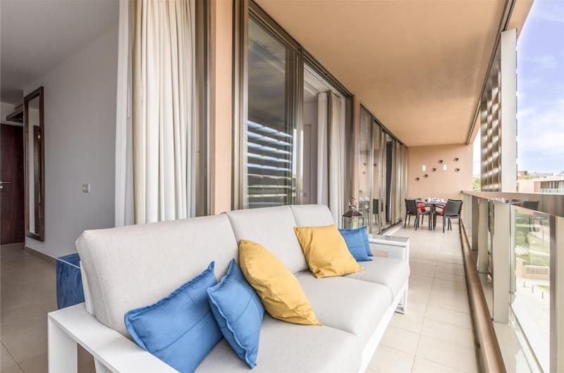 2 Bedroom Apartment with Shared Pool and Balcony in Dos Salgados, Sleeps 4-6