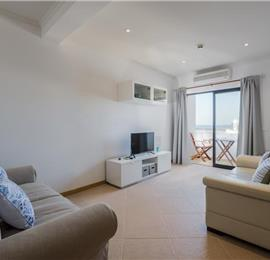 1 Bedroom Apartment with Balcony and Sea Views Walking Distance of Albufeira, Sleeps 2-3