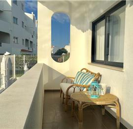 2 Bedroom Apartment with Balcony and Shared Pool in Albufeira, Sleeps 4-6