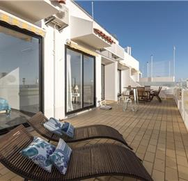 2 Bedroom Apartment with Balcony, Shared Pool and Sea Views in Albufeira, Sleeps 4-6