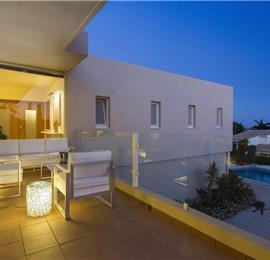 4 Bedroom Villa with Pool near Sao Rafael, Sleeps 9