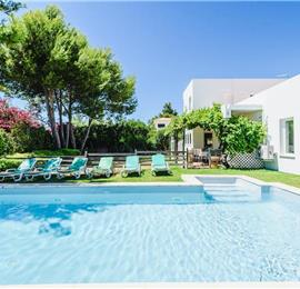 5 Bedroom Villa with Pool in Quinta da Balaia near Albufeira, Sleeps 10