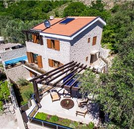 4 Bedroom Villa with Private Pool and Sea Views in Petrovac, Sleeps 7-8