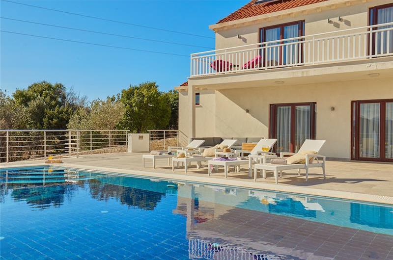 2 Bedroom Villa with Pool near Dubrovnik, Sleeps 4-6