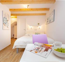 Studio Apartment with Terrace in Dubrovnik Old Town, Sleeps 2