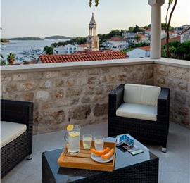 5 Bedroom Villa with Pool and Sea Views in Hvar Town, Sleeps 10