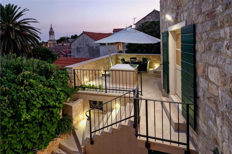 4 Bedroom Villa with Pool and Sea Views in Hvar Town, Sleeps 8