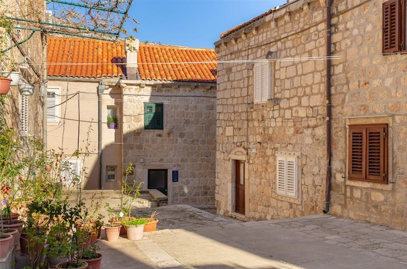 Studio Apartment with Terrace in Dubrovnik Old Town, Sleeps 2-3