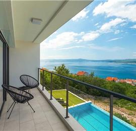 4 Bedroom Villa with Pool and Sea View near Crikvenica in the Kvarner Region, Sleeps 8