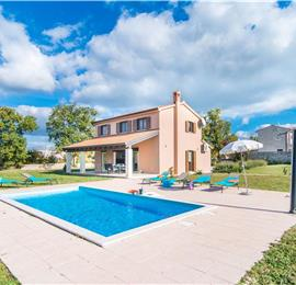 3 Bedroom Istrian Villa with Pool near Porec, Sleeps 5-6