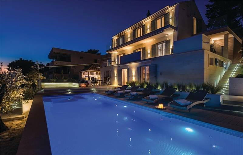 4 Bedroom Seafront Villa with Heated Pool in Milna, Brac Island