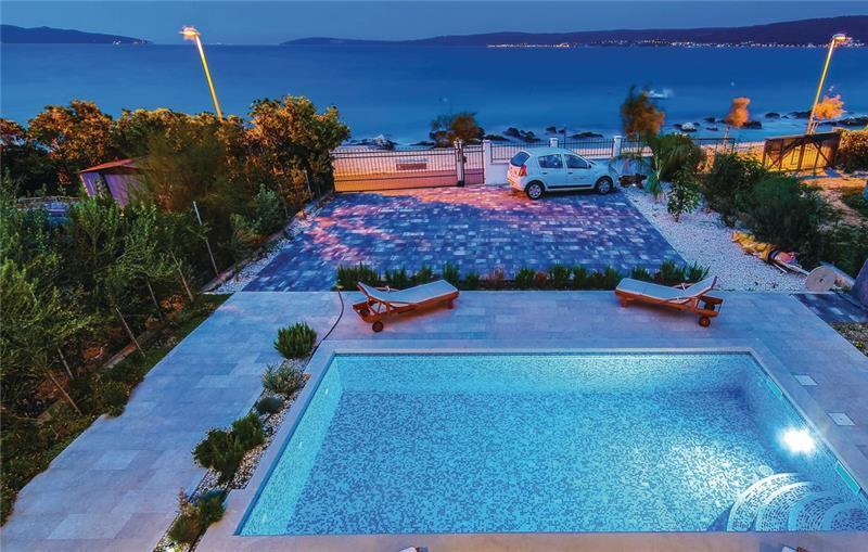 5 Bedroom Beachfront Villa with Pool in Kastel Stafilic near Trogir, Sleeps 10