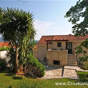5 bedroom Villa with Pool in Konavle, Sleeps 9-11